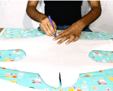 how to make a dog raincoat (1)